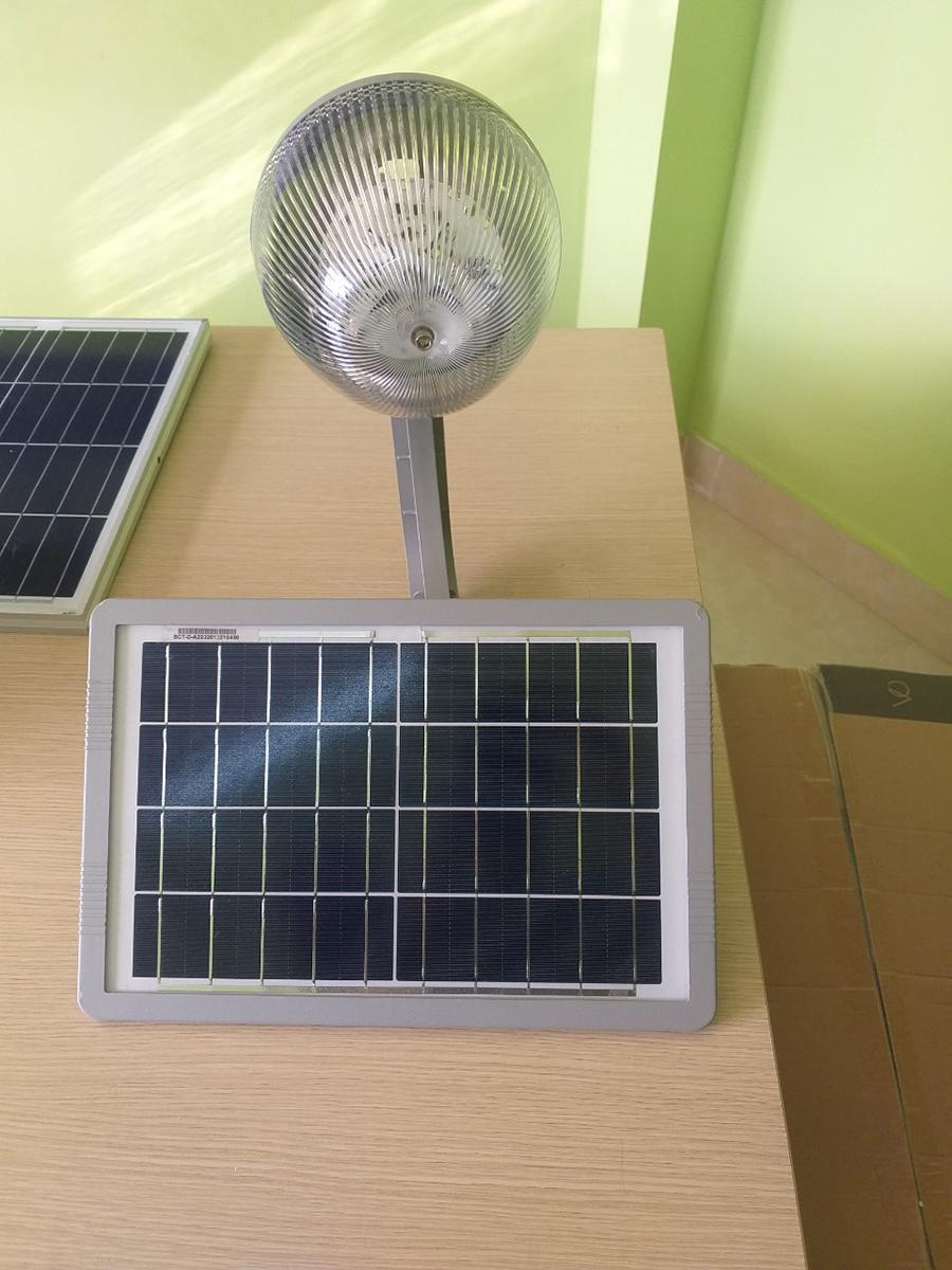 đèn năng lượng mặt trời sân vườn 40w